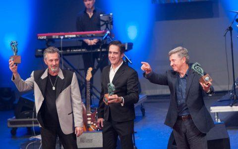 Palmera en el escenario recogiendo su Premio Taburiente 2016