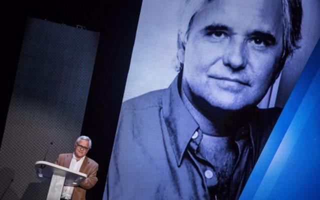 Juan Cruz en el escenario para recoger su Premio Taburiente 2017   Foto: Andrés Gutiérrez