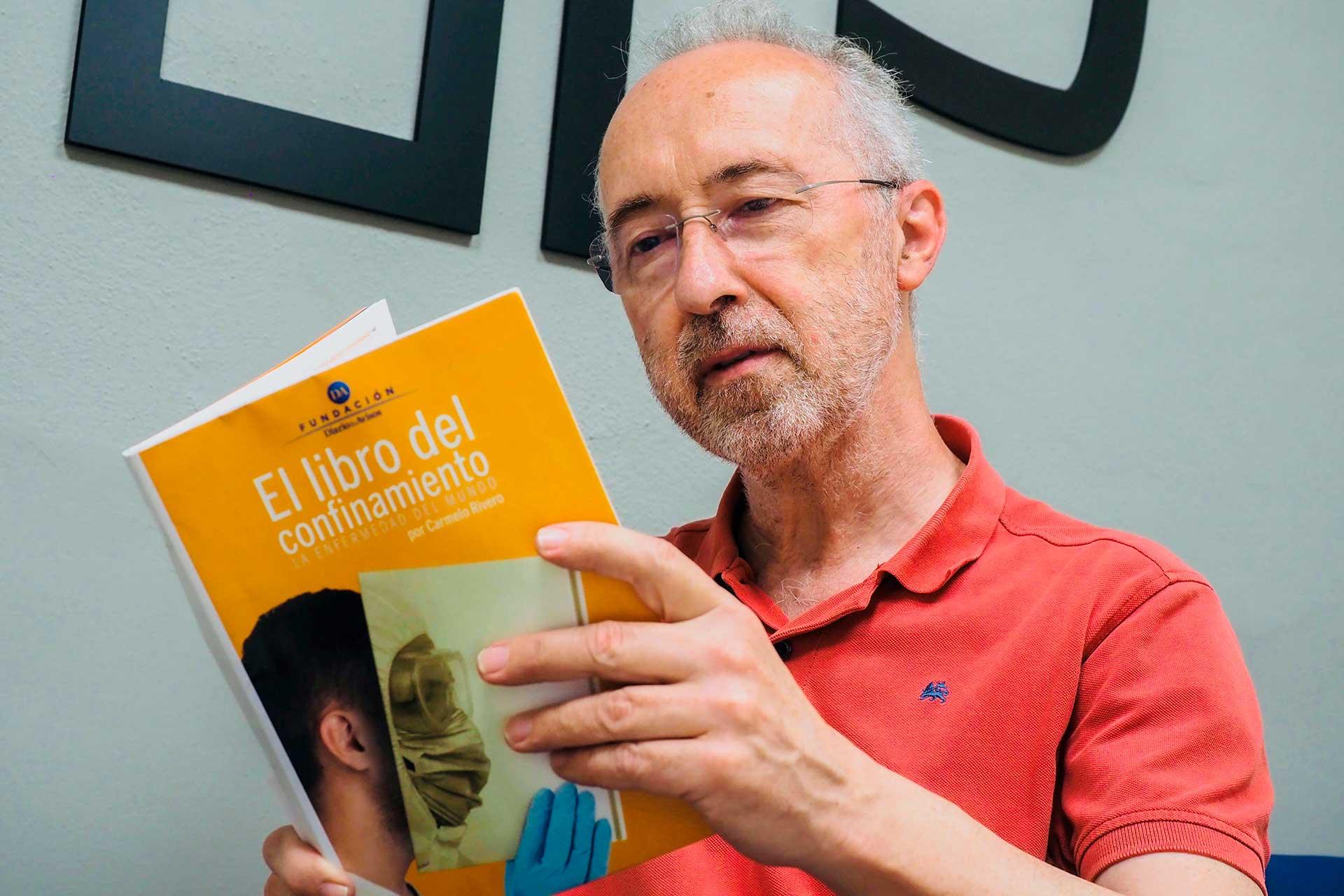 Carmelo Rivero con El libro del confinamiento